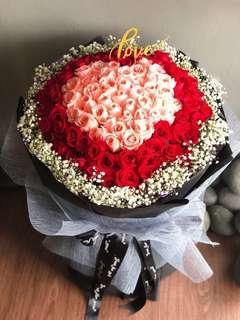 Valentine 99 handmade roses +LED