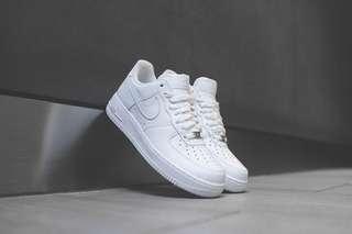poshup Nike Air Force 1 Triple White