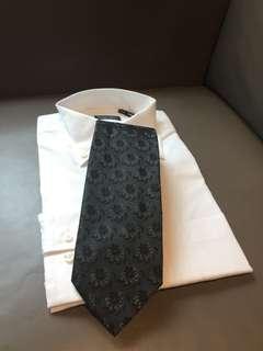 Ungaro tie