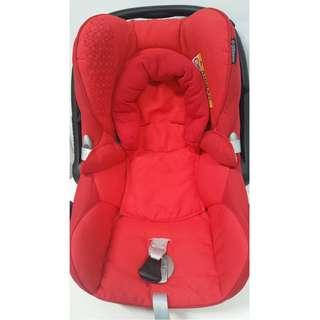 [For rent] Maxi Cosi Cabriofix Infant Carrier. Photos of items are in original conditions and without filters!