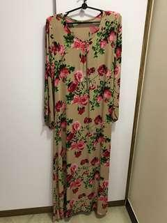 Muslimah Long floral dress long sleeves in brown size S