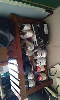 原木色小鞋架
