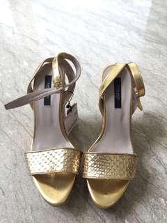 #onlinesale Mango Gold Wedges