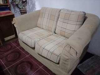 Sofa empuk 2 sit