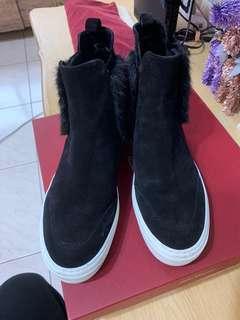 二手精品鞋。salvatore ferragamo黑色麂皮高筒鞋。8.5號