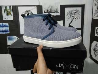 Zalora Jaxon Sneakers Sepatu Free 3 tali sepatu New Not hnm Uniqlo nike adidas puma