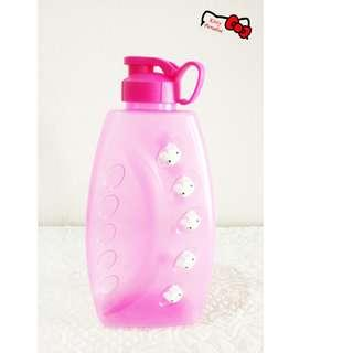 2000ml Hello Kitty Pinky Collection BPA Free Tumbler Drink Bottle Tupperware Kitchenware M903102M #CNY888