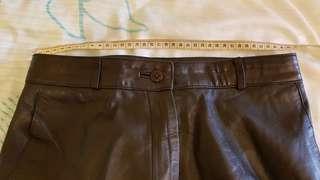 英國買高貴大方全真皮褲,少牚九成新。