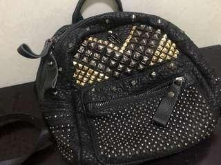 黑色迷你背包
