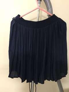 100% new Dark Blue elastic chiffon pleated skirt (from Japan) 全新深藍色雪紡百摺裙(購自日本)