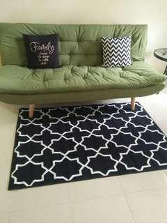 Karpet monochrome