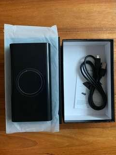 SELLING BNIB Wireless Power Bank / Portable Charger 10000 mAh