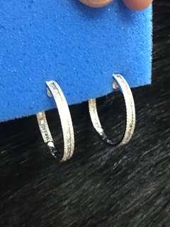 Loop earrings in and out (hk setting)