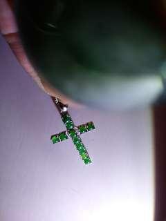 12粒天然的A翡翠旦面加s925純銀頸鏈十字架。有證書
