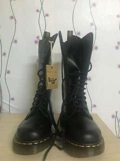 Dr.Marten boots . One sold out 2 left !!!