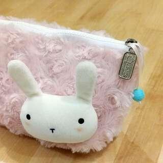 Bucute~布羅兔~化妝包~送粉色手拿短提袋