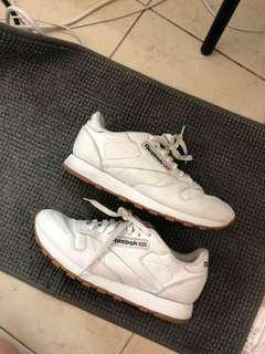 🚚 Reebok Classic Leather Sneakers in White
