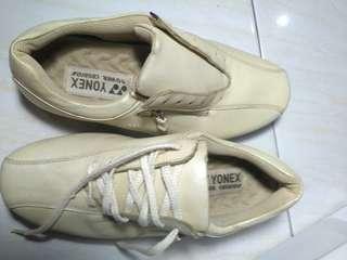 Sepatu yonex/ sepatu sport/ sepatu running/ sepatu gym