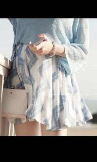 White and blue print rubber skirt - stretchable