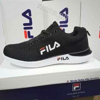 FILA. Sneaker