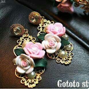 <In Stock> Korean Style Gold Flower Pearl Earrings