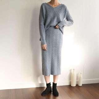 V領麻花上衣+麻花合身窄裙