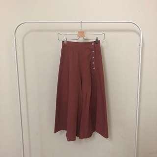 🚚 磚紅側排扣寬褲