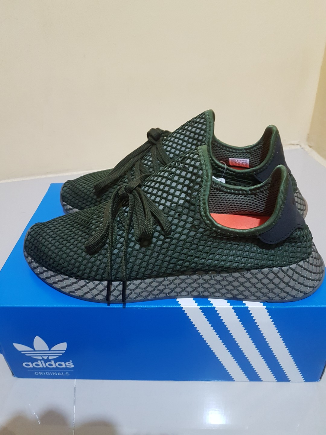 62ad9b206 Adidas deerupt runner base green size 11. 5US