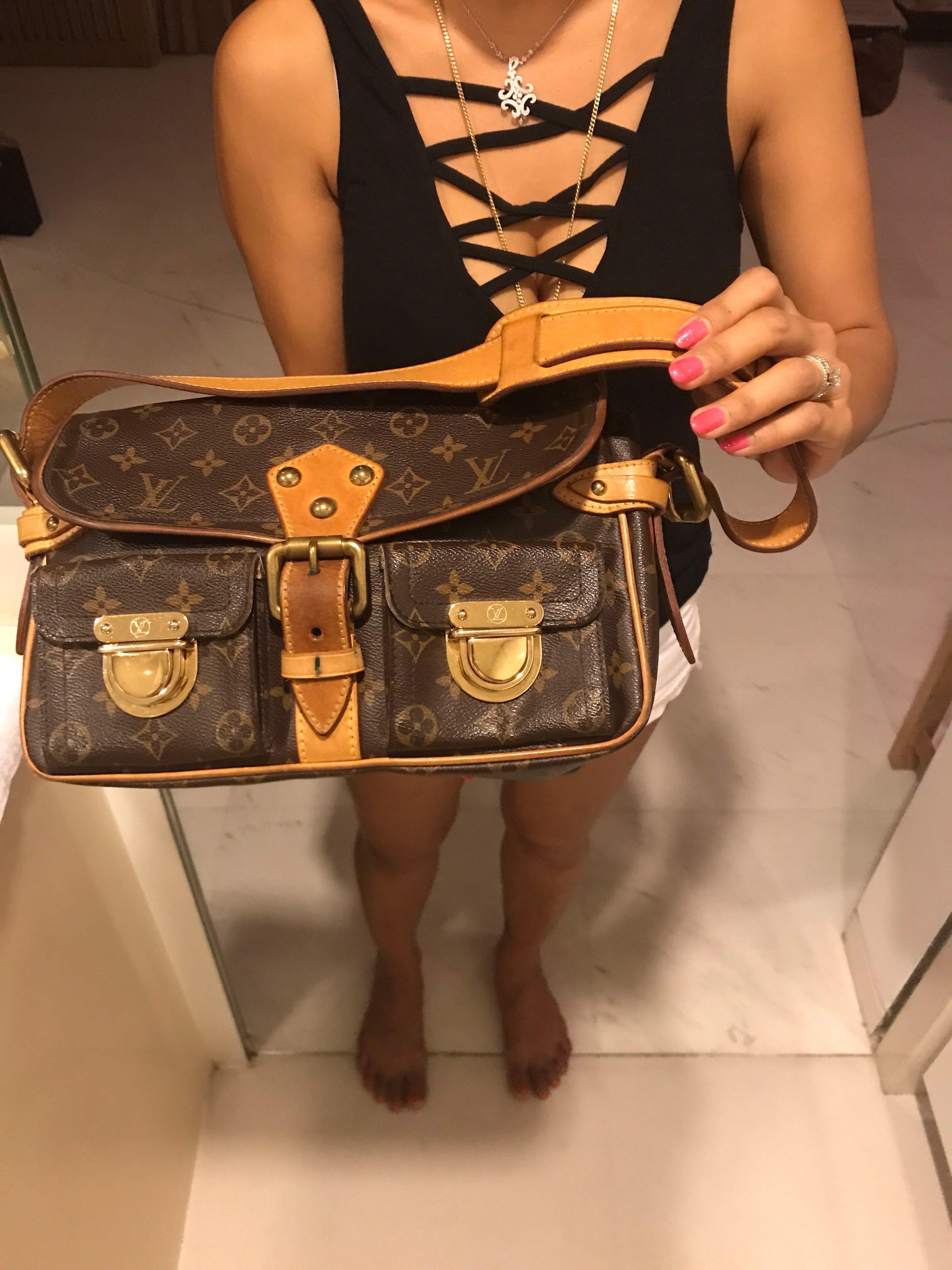 fb5da67210 Authentic vintage Louis Vuitton Hudson PM shoulder bag, Women's ...