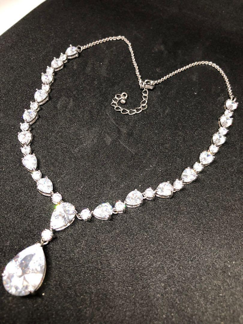 Beautiful Zirconia teardrop earring and necklace set