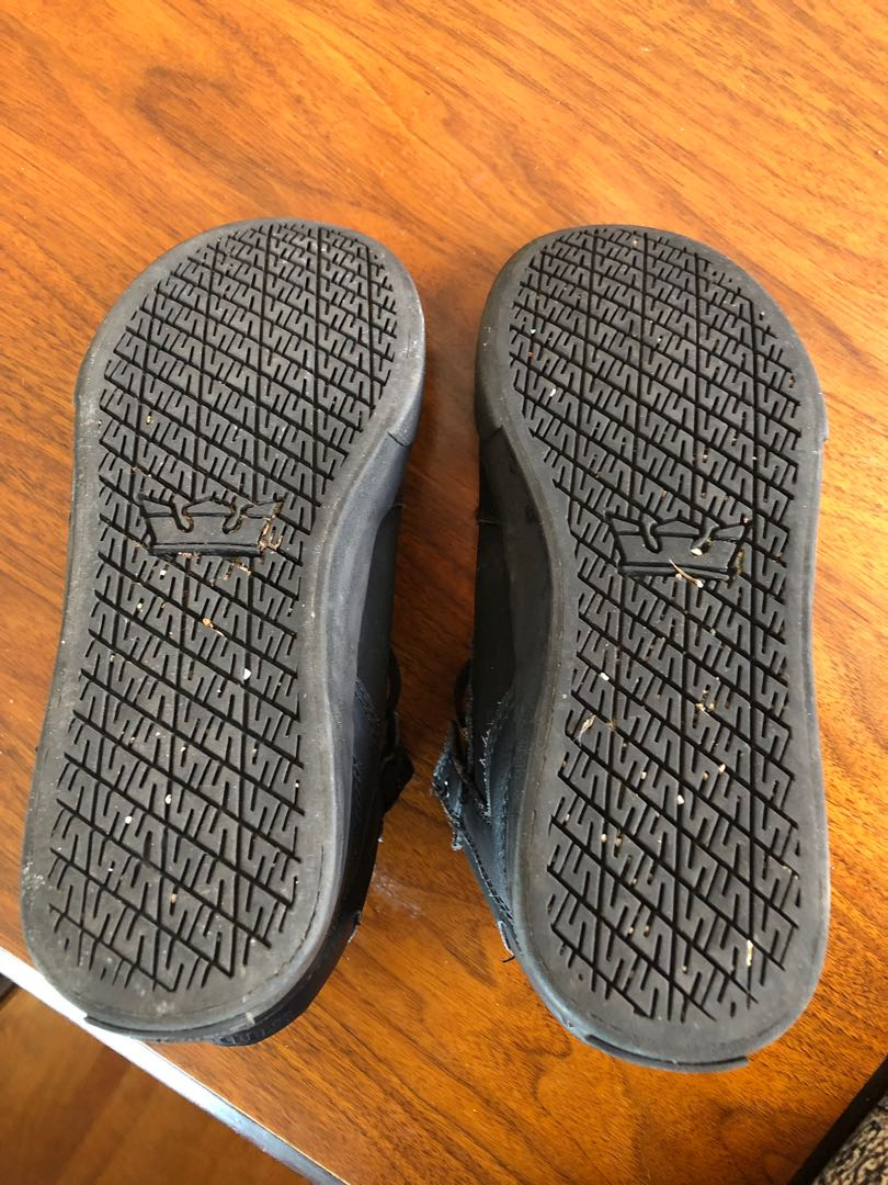 Boys Supra skate shoes size 5
