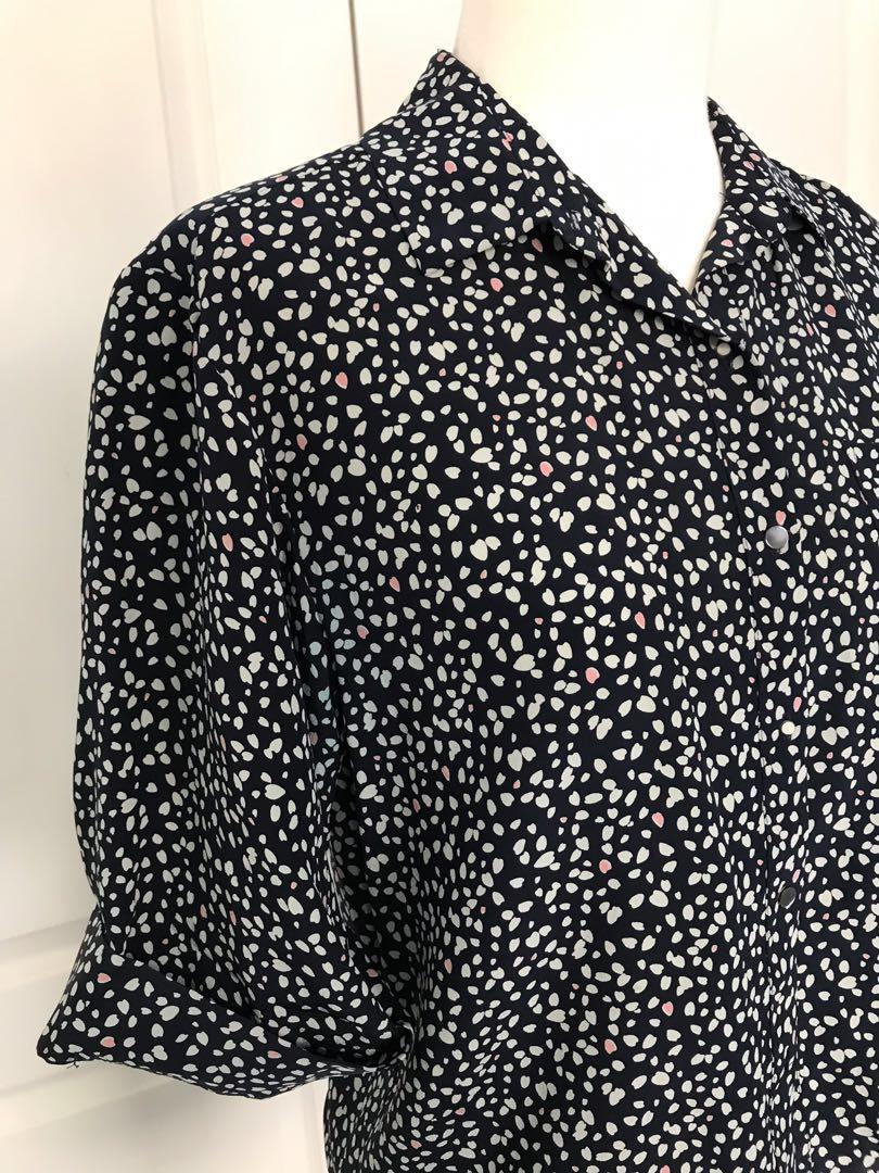 Club Monaco 100% silk button up blouse