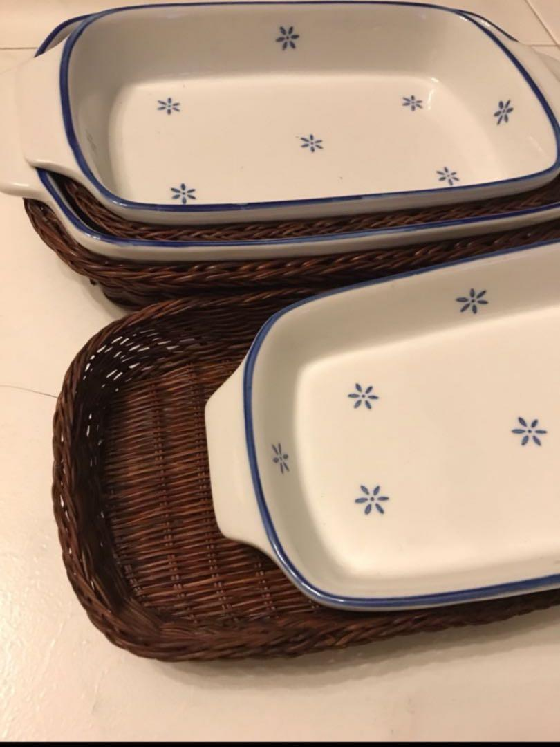 Dish Plates with Basket