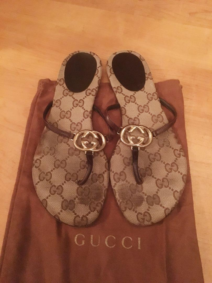 836d6597e Gucci Monogram Sandals on Carousell