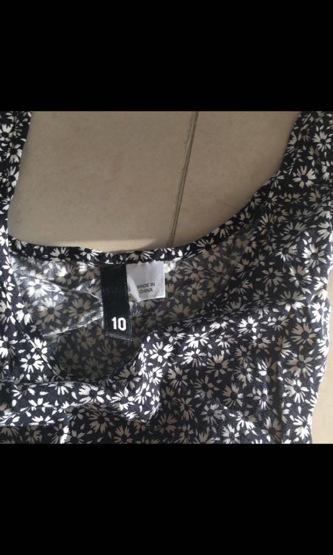 H&M black and white daisy print swing dress with waist tie