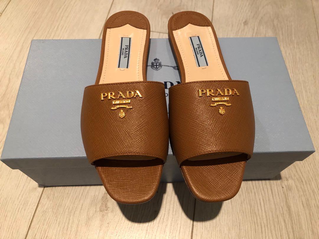 Prada saffiano leather flats NEW, Women