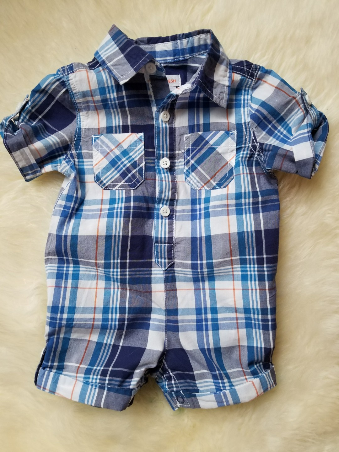 Size 3-6 mths. Perfect for spring break. Purchased new for $29. No