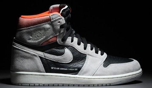 pretty nice 305a7 fe447 US 9.5 AIR JORDAN 1 Neutral Grey Hyper Crimson, Men s Fashion, Footwear,  Sneakers on Carousell