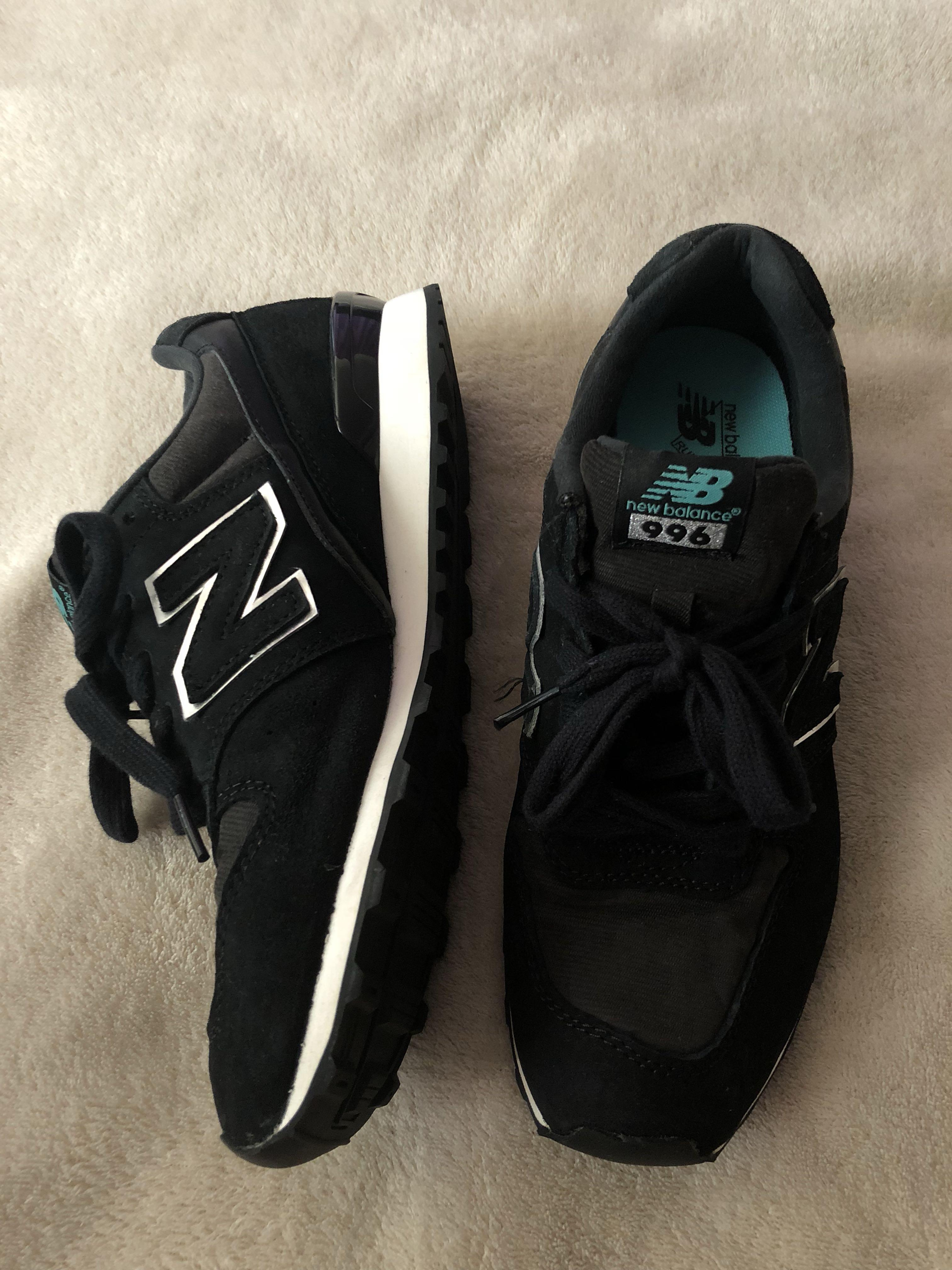 Women's New Balance sneakers