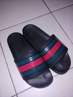 579296ca1464a0 Gucci slides Authentic