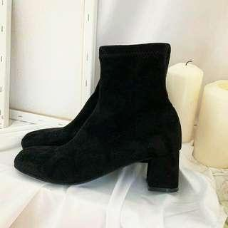 (幾乎全新)正韓 y&p cc 韓國連線 襪靴 尺寸24.5