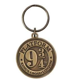 🚚 Authentic Harry Potter 9 3/4 Brass Keyring