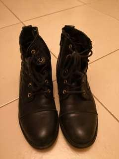 Leather boots (shoes)