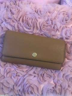 Michael kors leather convertible chain wallet(come w 50$ spa gift card)