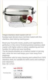 Stainless steel covered roasting pan
