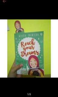 Reach Your Dream by Wirda mansur.