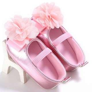 🚚 Instock - pink metallic shoes, baby infant toddler girl