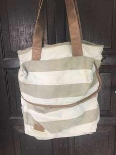 Tote bag three second