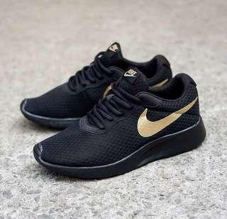 Nike Tanjun Men Triple Black