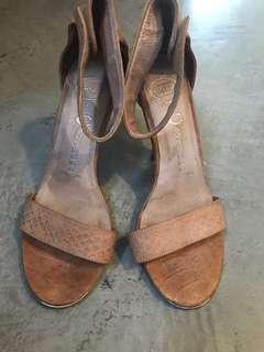 Jeffrey campbell nude sandals heels